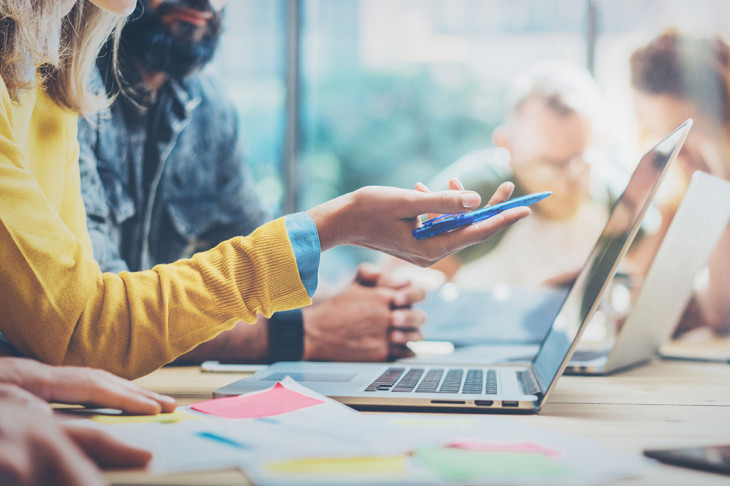 Гонка Slack, Microsoft Teams и Workplace