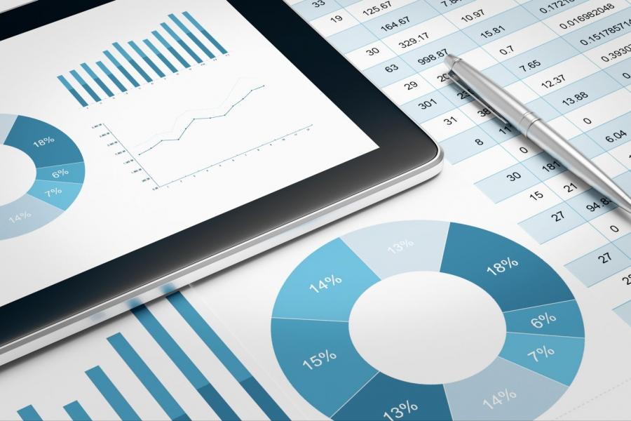Беглый взгляд на Looker — аналитическую BI платформу для работы с кубами данных